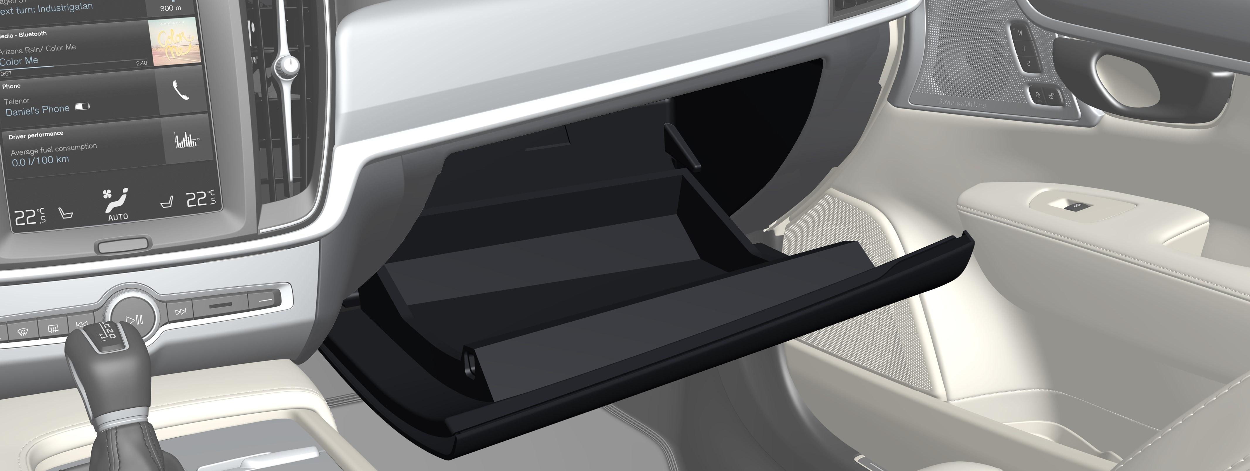 P5-1617-Interior-Glovebox