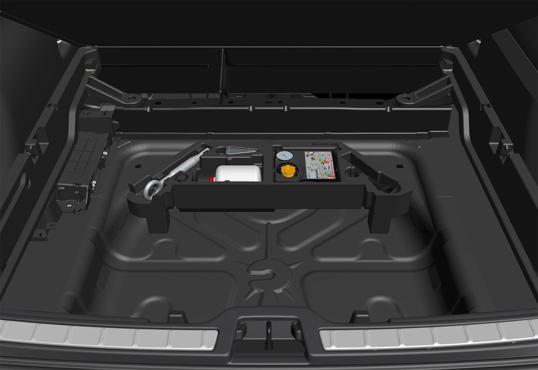 P6-1746-XC40-Tools overview in foambox under load floor