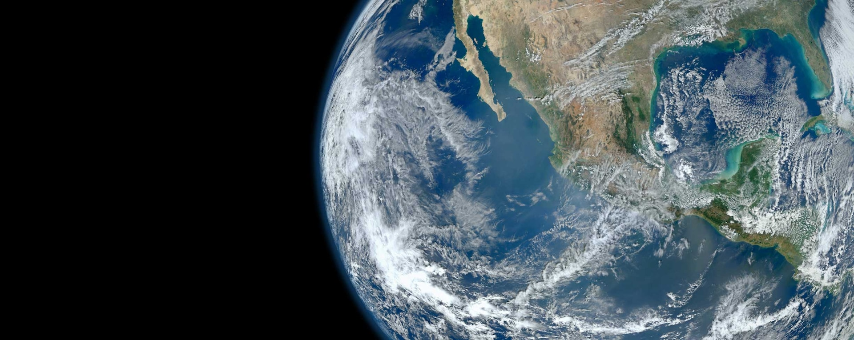 宇宙から見た地球の姿。