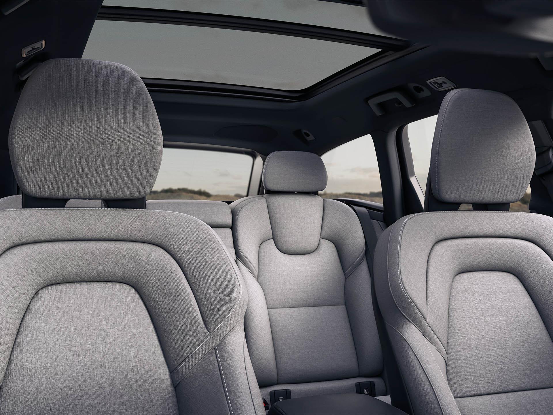 Interieur eines Volvo Kombi, 5 Sitze mit Wolle in Mitternacht-Zink