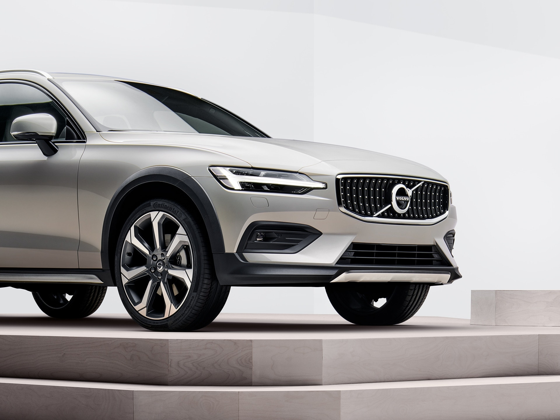 Die Front eines Volvo V60 Cross Country