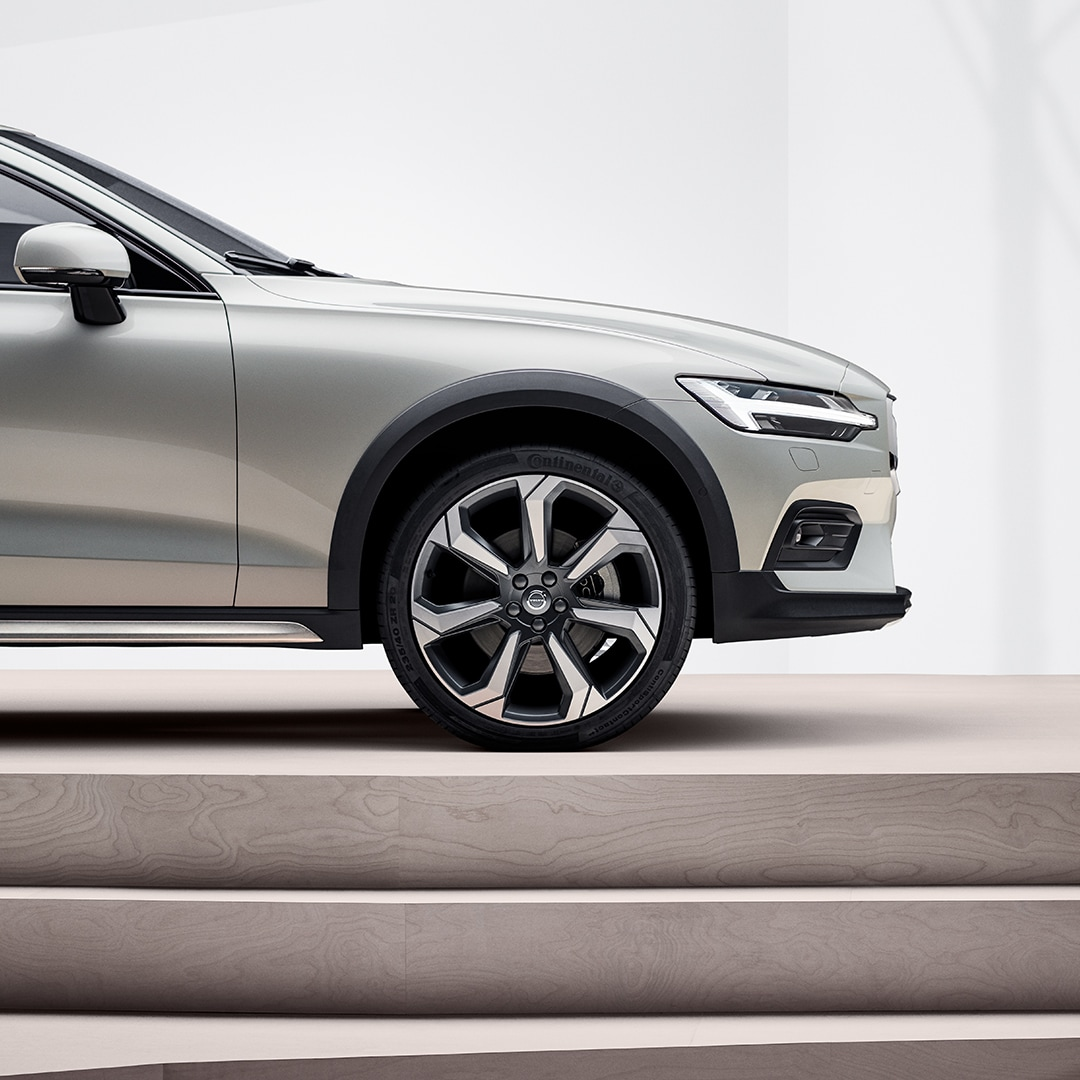 The front exterior of a Volvo V60 Cross Country.
