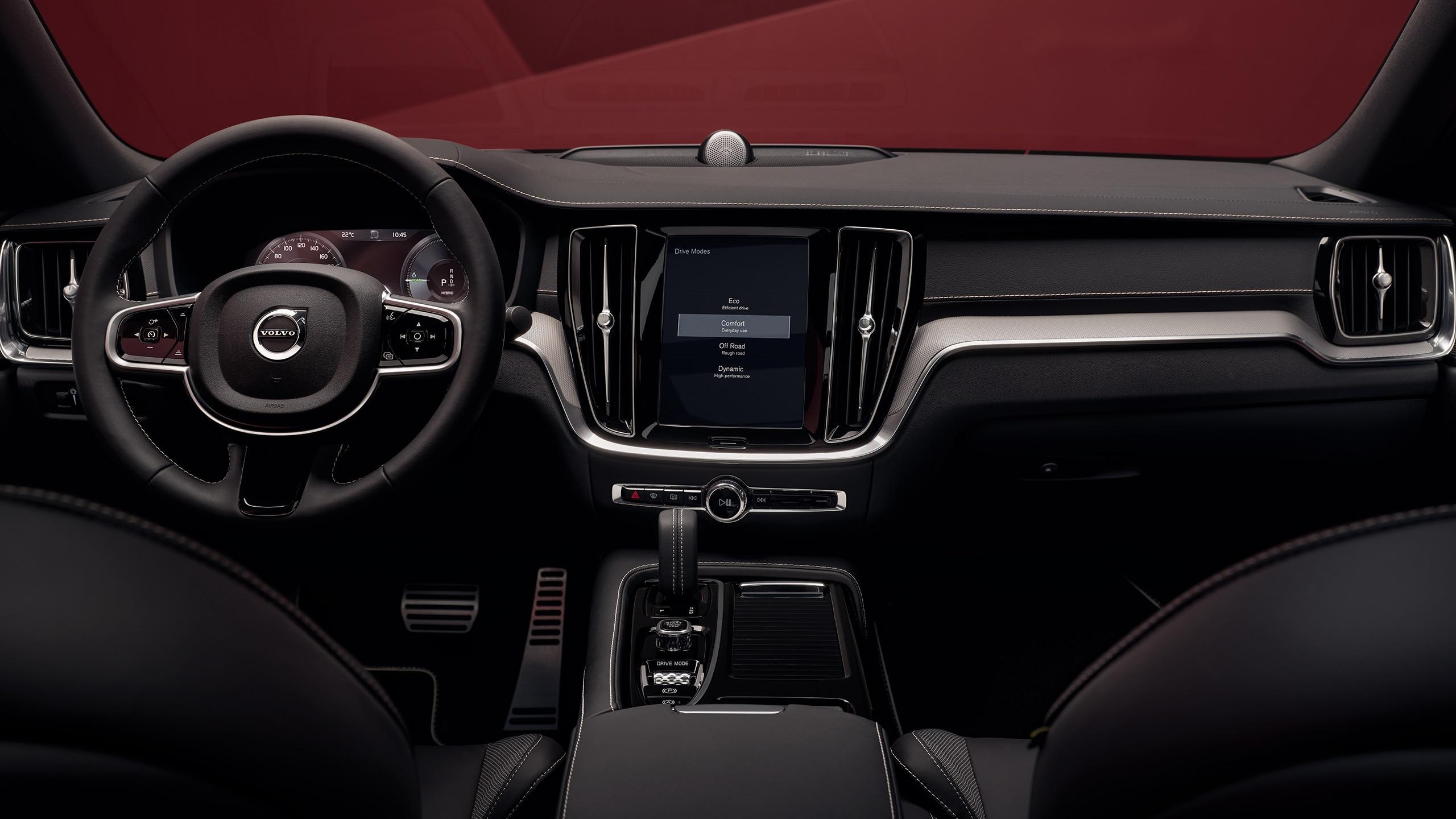Schwarze Innenausstattung einer Volvo S60 Limousine