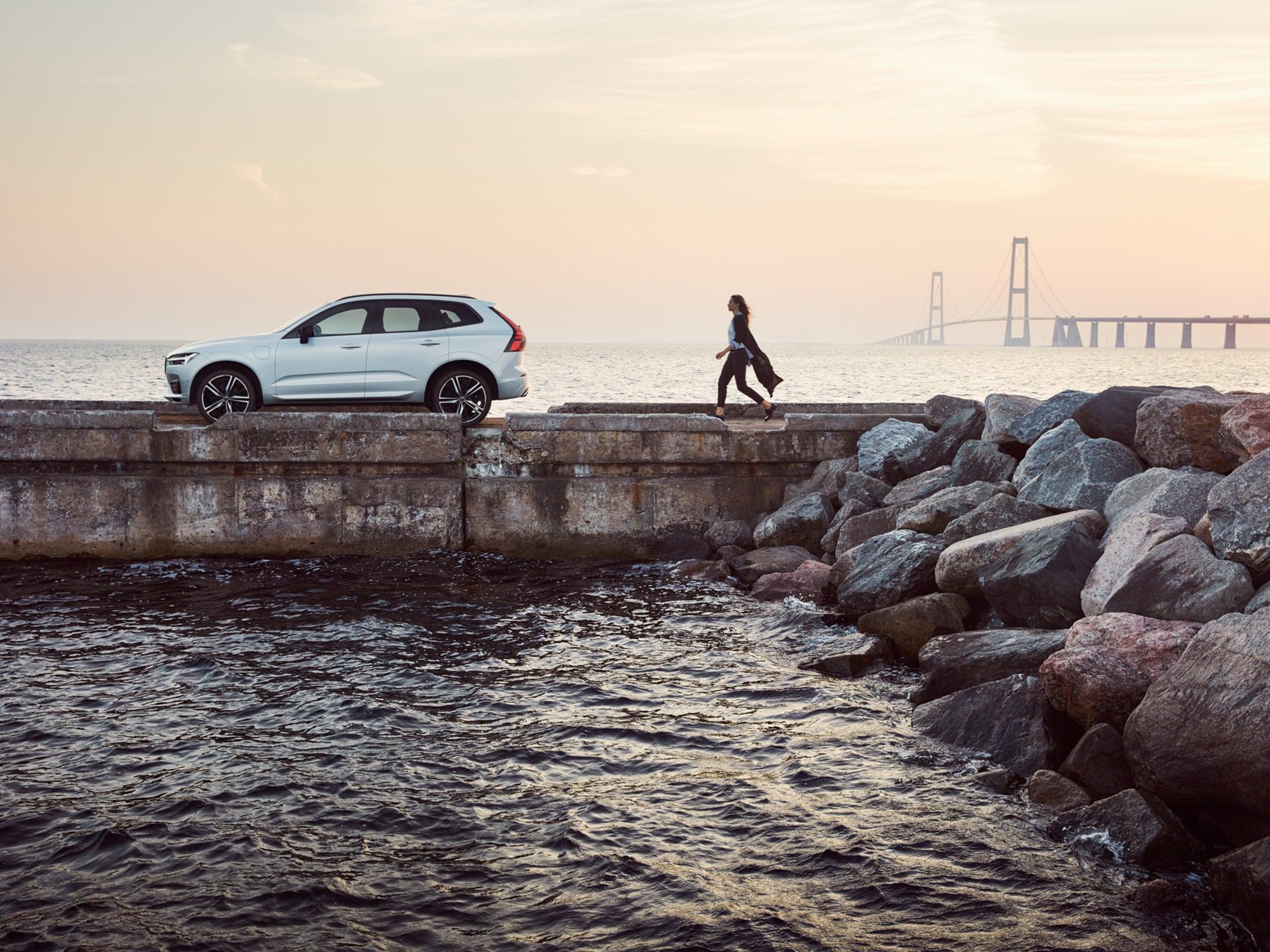 Coche SUV mediano Volvo XC60 oferta