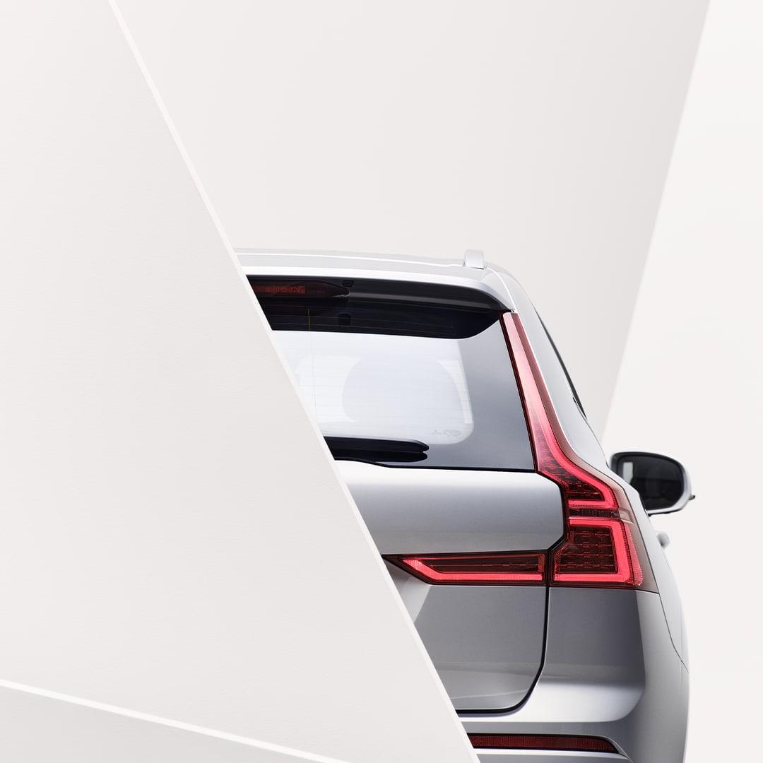 Una delle luci posteriori esterne di una Volvo XC60.