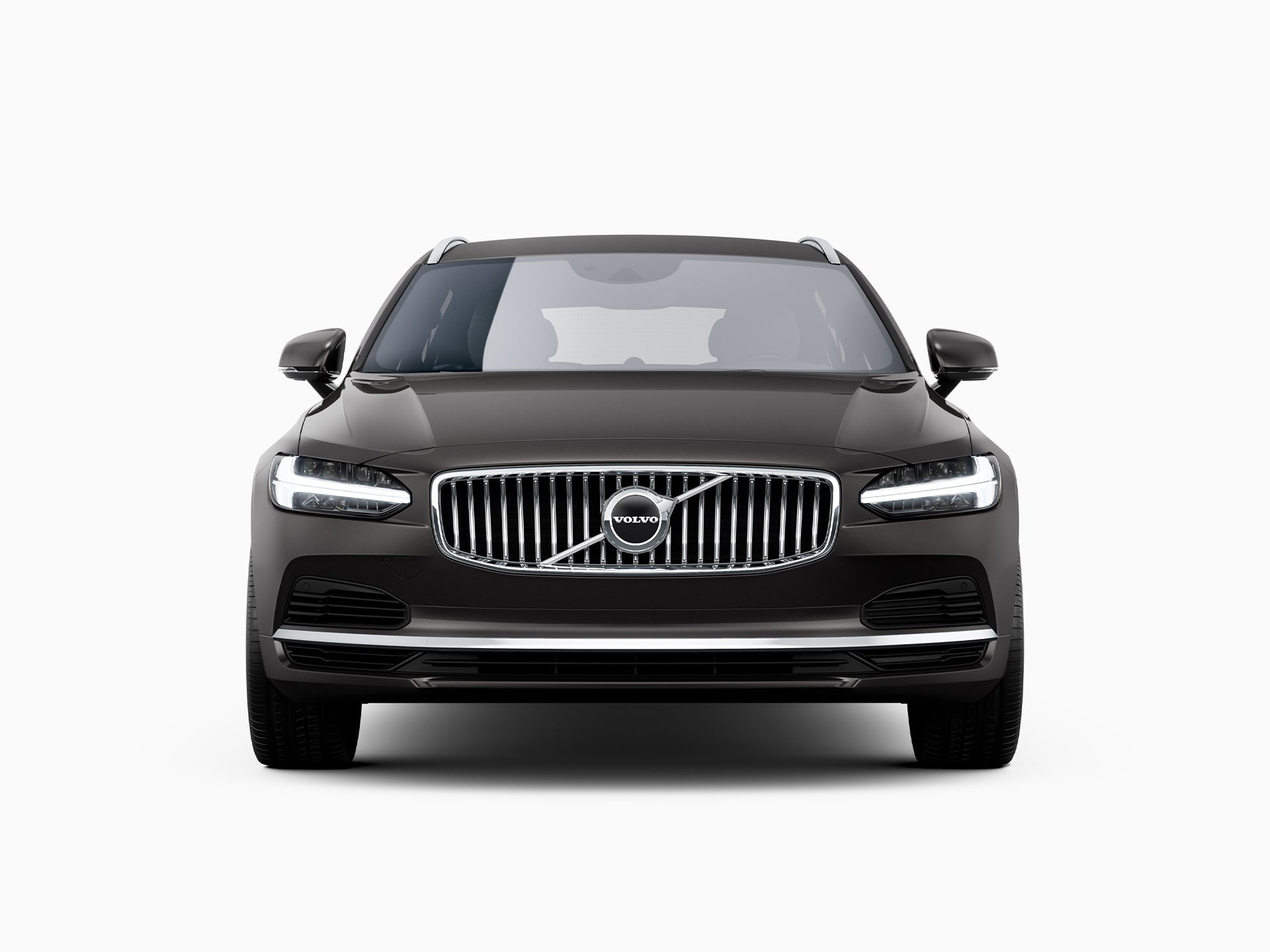 The front of a Volvo V90 Recharge plug-in hybrid.