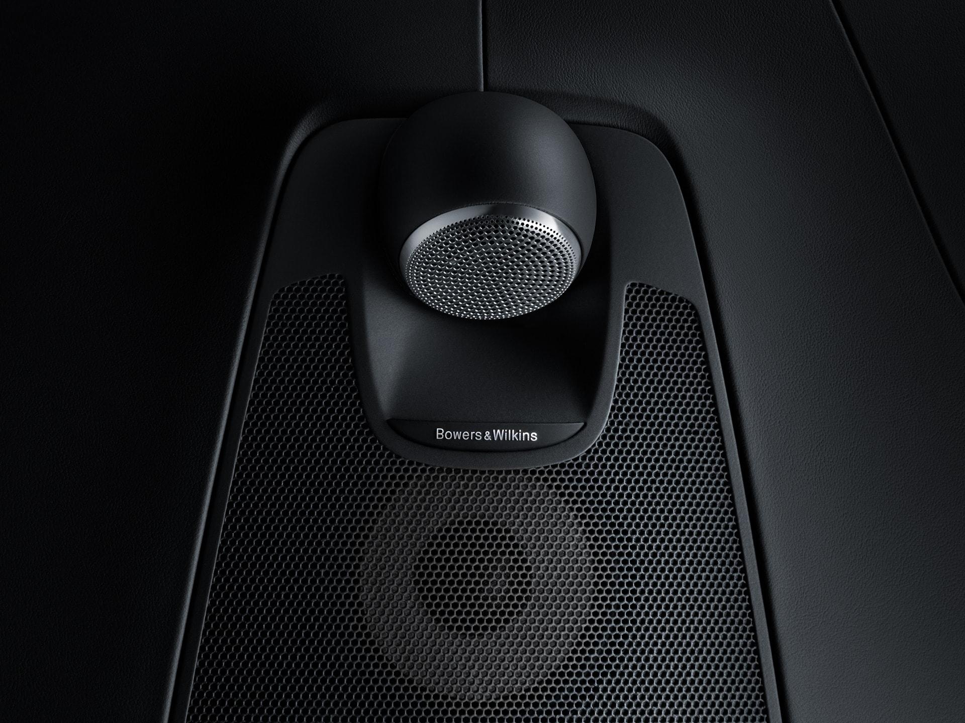 Sistem audio Bowers & Wilkins în interiorul unui Volvo XC60