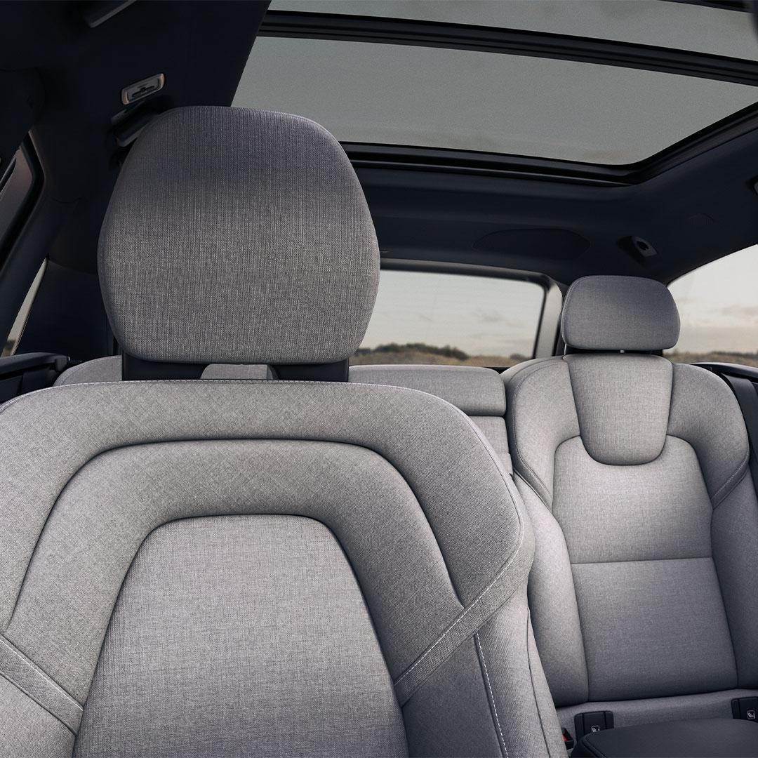 Den bakre utsidan av en Volvo V90.