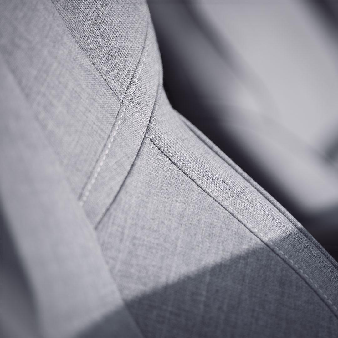 Närbild av de skinnfria sätena med ullblandning i en XC60.