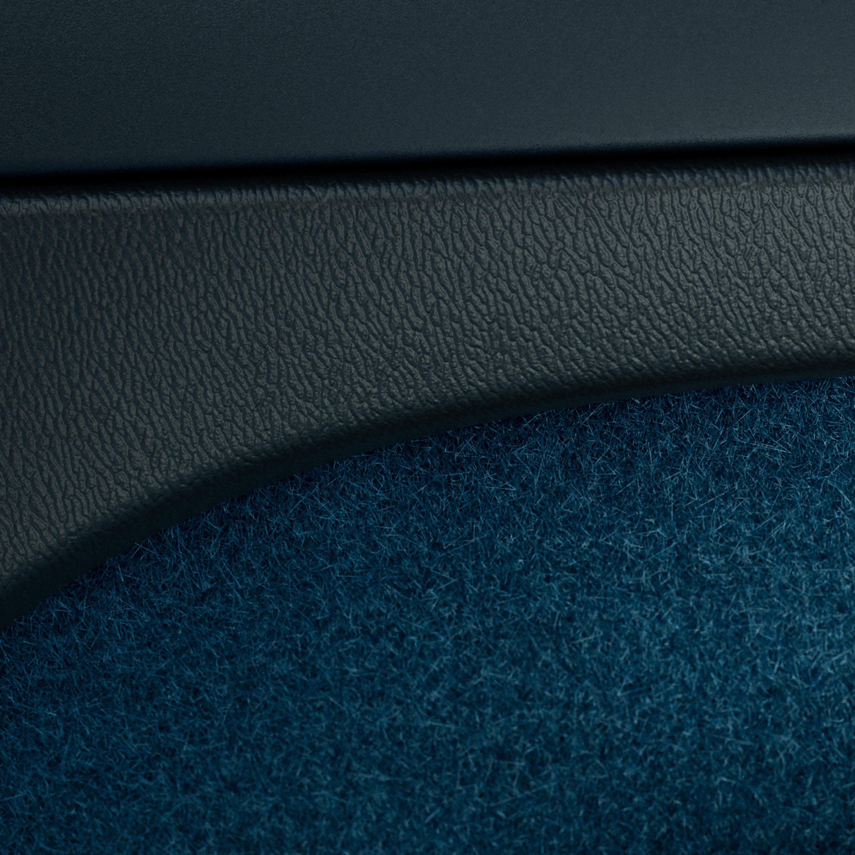 การตกแต่งแผงหน้าปัดและจอแสดงผลส่วนกลางของ Volvo C40 Recharge