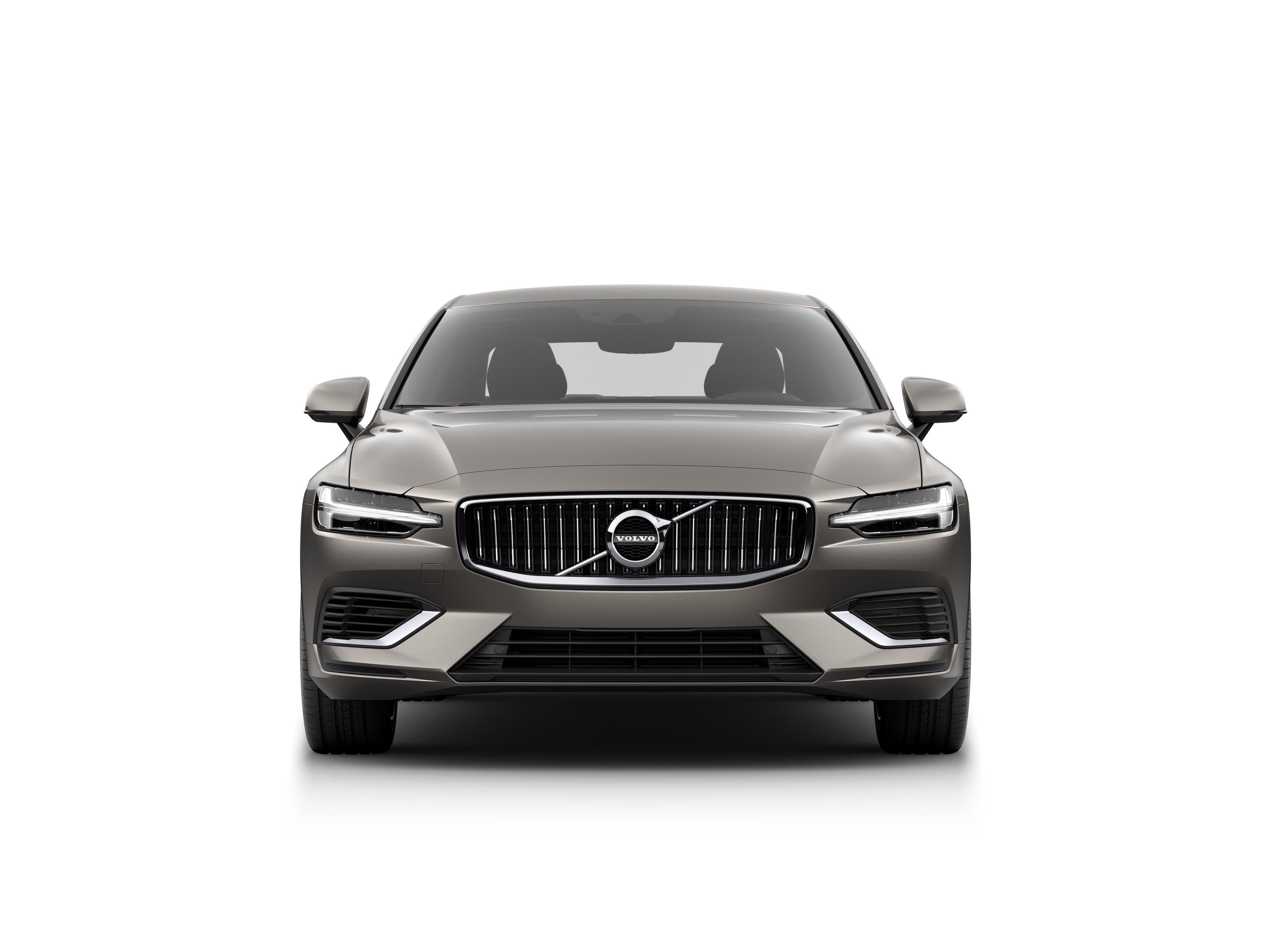 Volvo S60 Recharge 插電式混合動力轎車的正面。