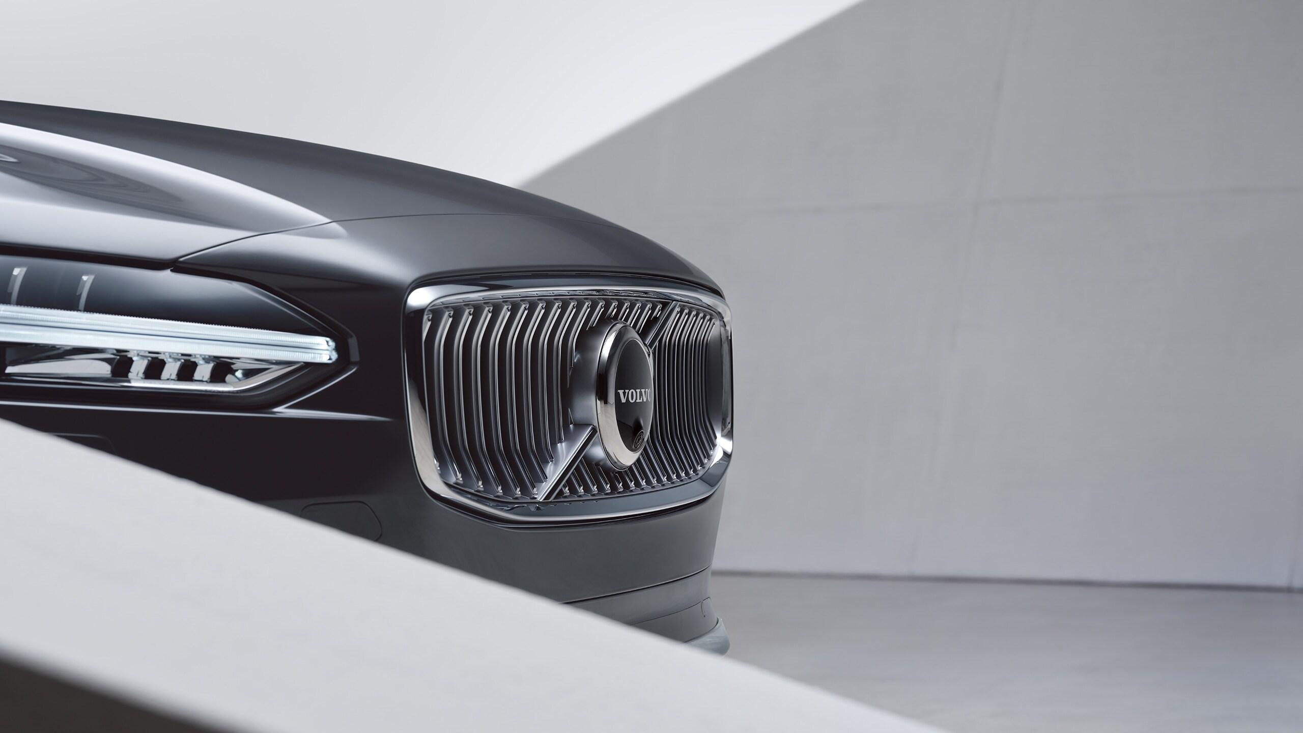 Екстер'єр Volvo S90, вигляд спереду