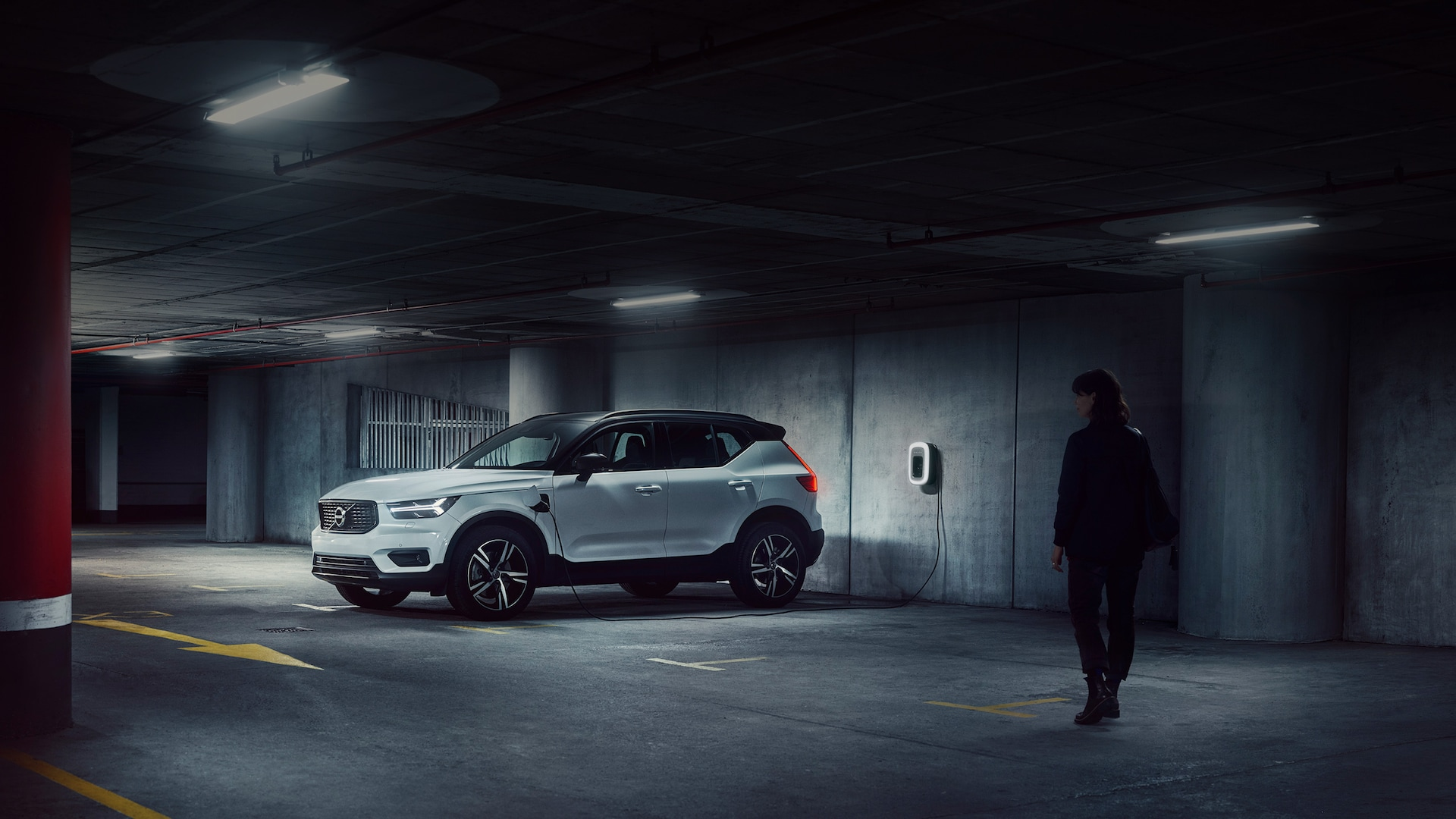 XC40 Recharge Plug-in Hybrid in car park