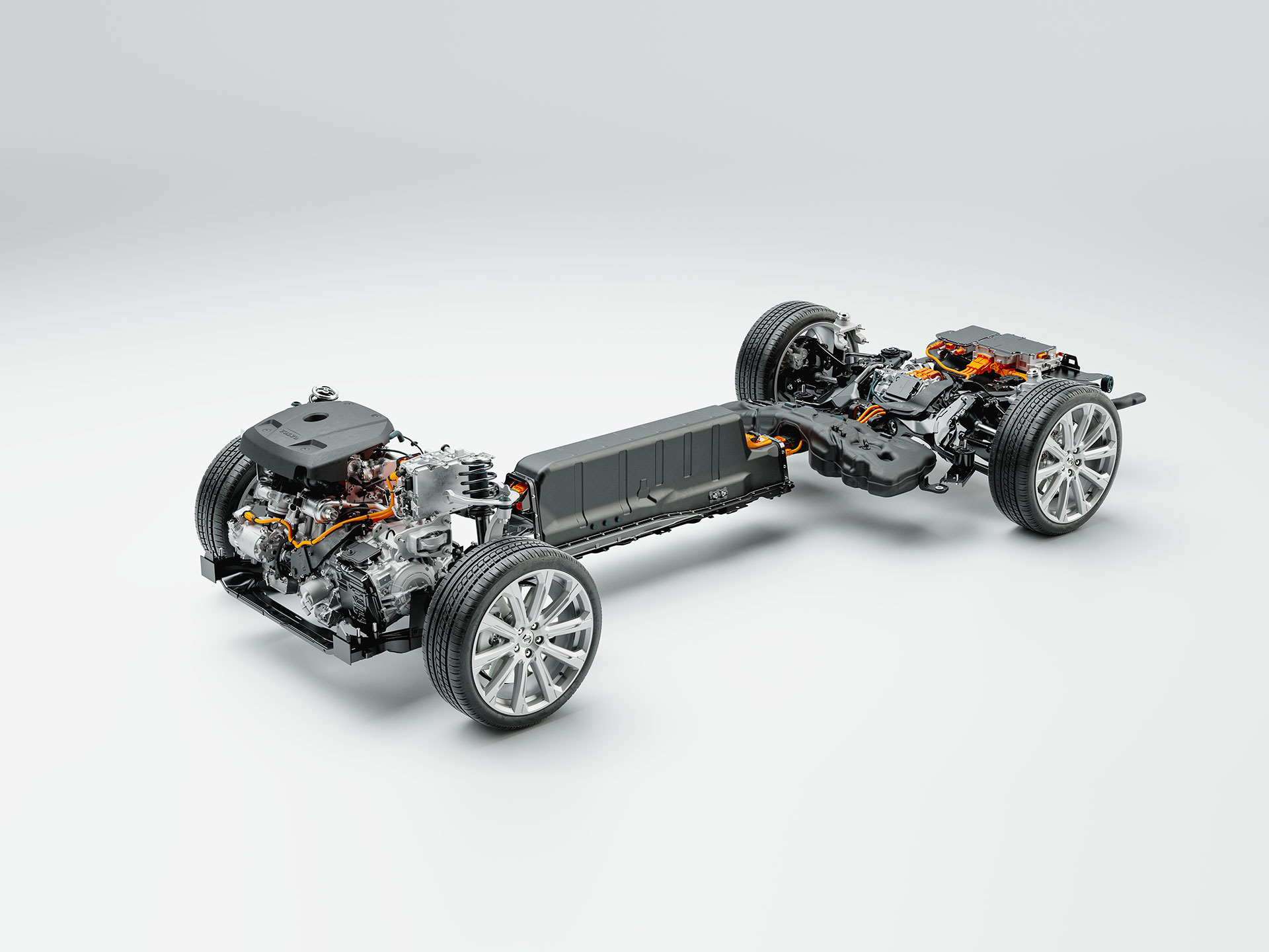 Technical detail image of chassis, battery and powertrain of a Volvo plug-in hybrid.