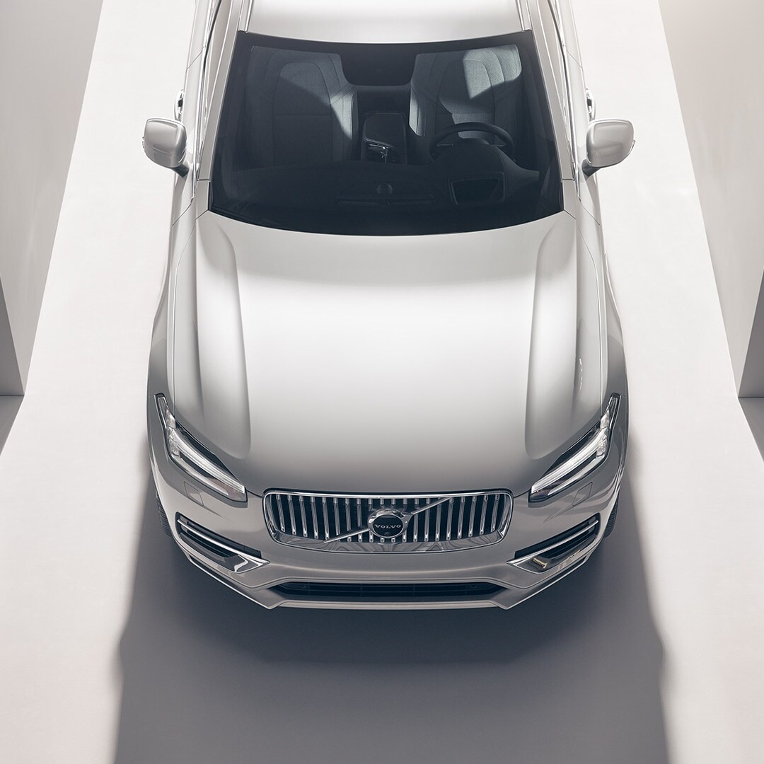 A Volvo XC90 Recharge from above