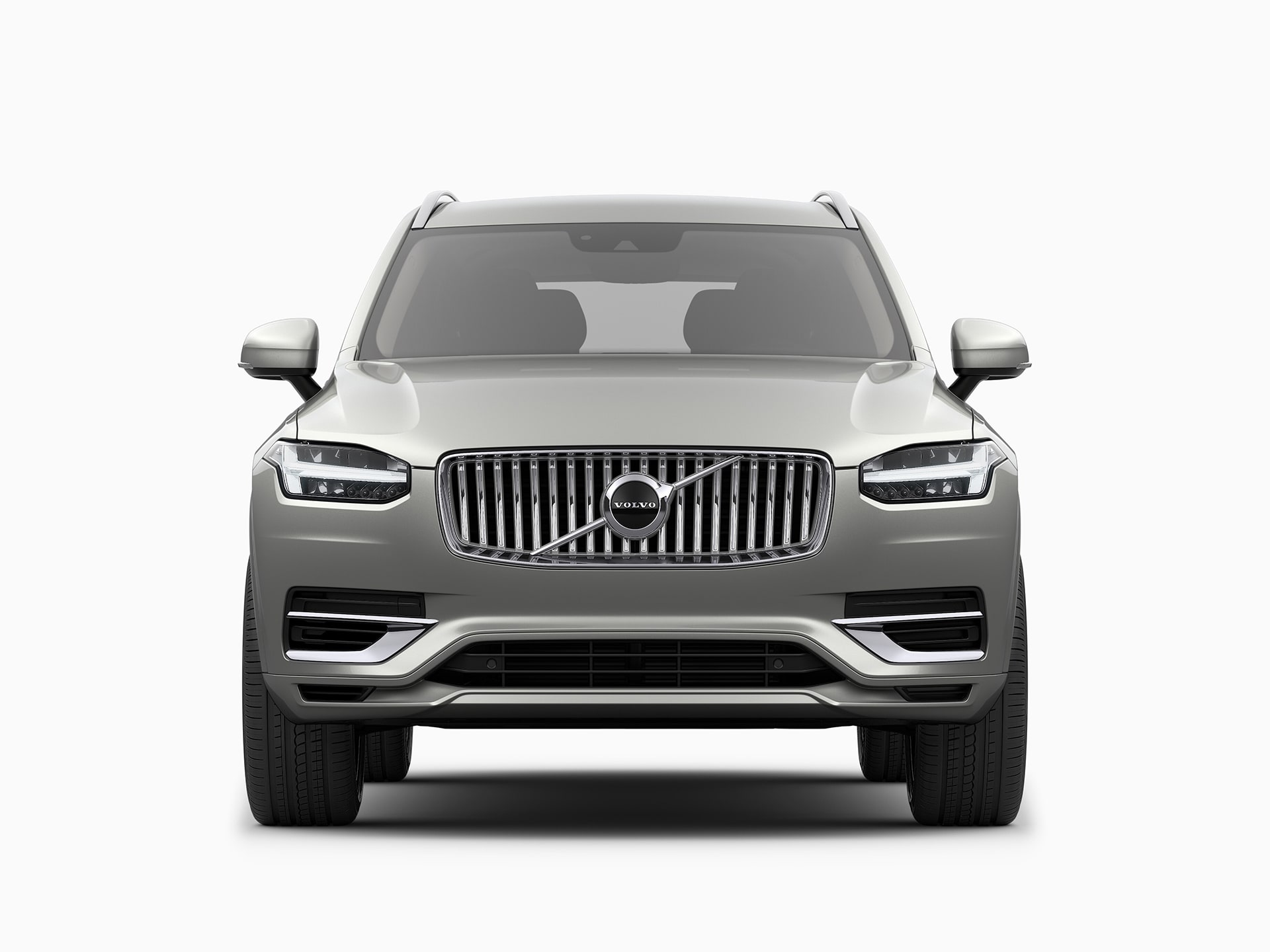 The front of a Volvo XC90 Recharge plug-in hybrid SUV.