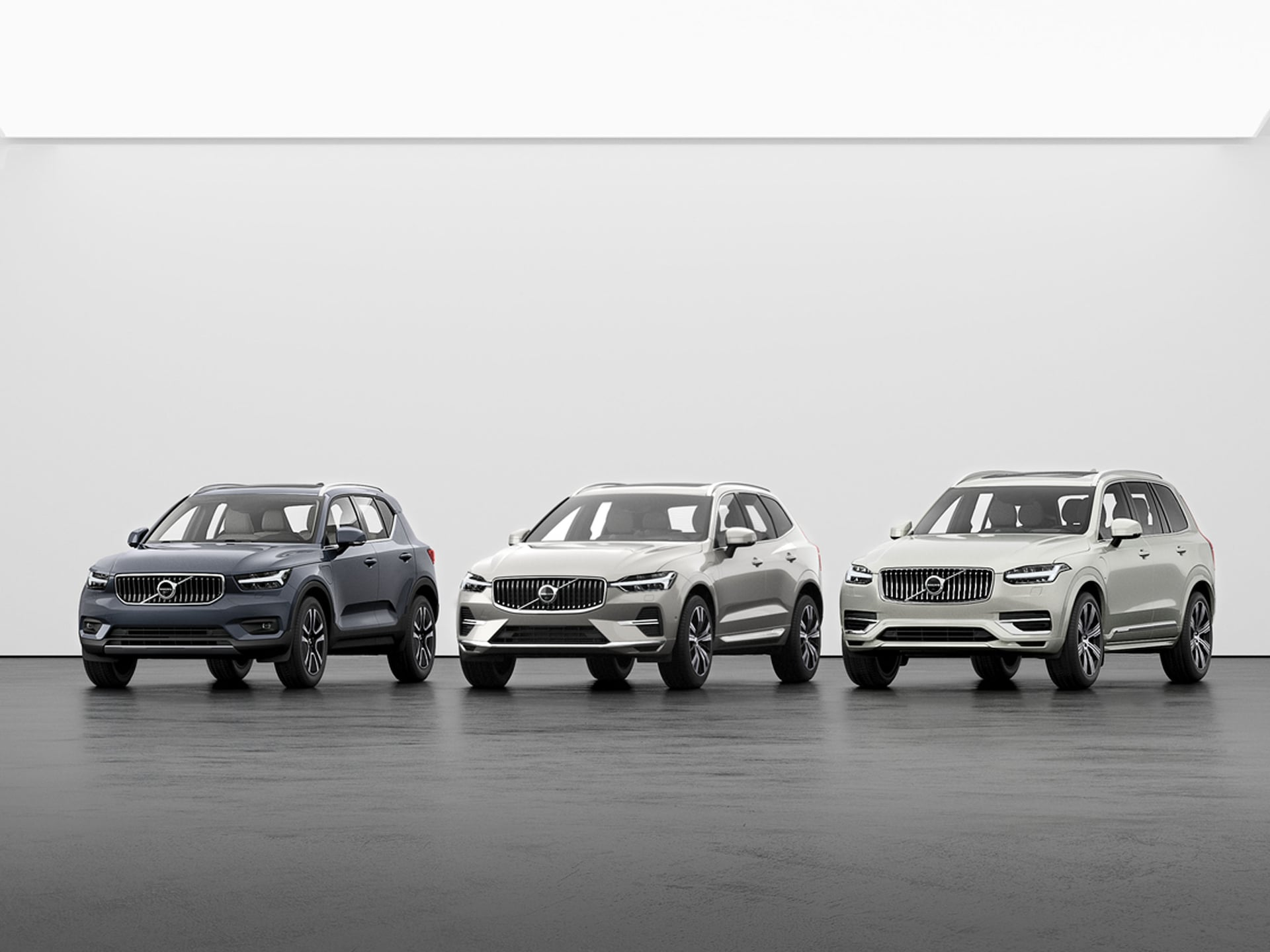 A Volvo XC40, XC60, and XC90 side by side
